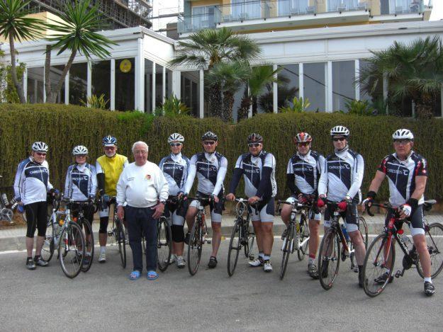 Zehn Musketiere kurz vor dem Start zu einer Ausfahrt