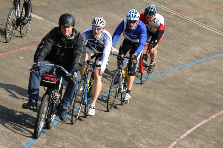 Training auf Radrennbahn Solingen (27-MAI-2015)